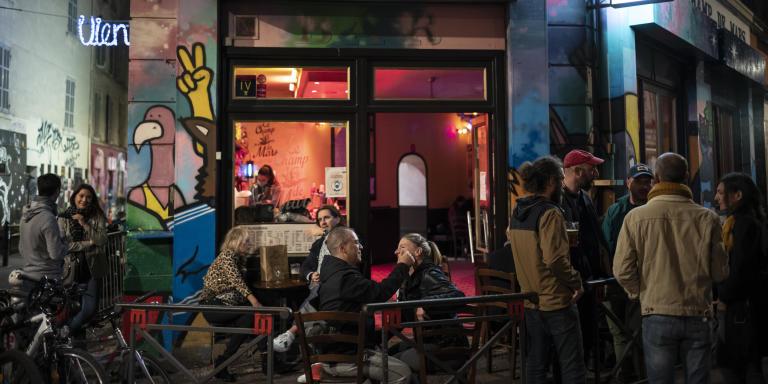 LEs bars à Marseille avant la fermeture, Le Champ de Mars entre le cours Julien et La Plaine