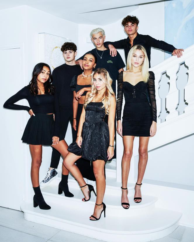 Les filles de gauche à droite, Océane Guichard, Marie-Victoire Tiangue, Louise Ragot et Maryne Ponsard. Les garçons de gauche à droite, Stan Rogelino, Sacha Sadok et Raphaël Curron.