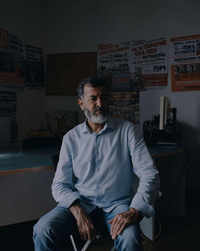 Javied Aslam, dans un de ses bureaux à Athènes, le 28 septembre.