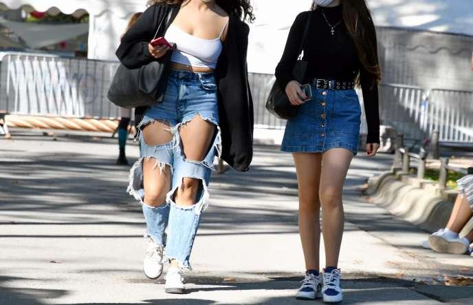 Deux lycéennes, à Montpellier (Hérault), le 23 septembre.