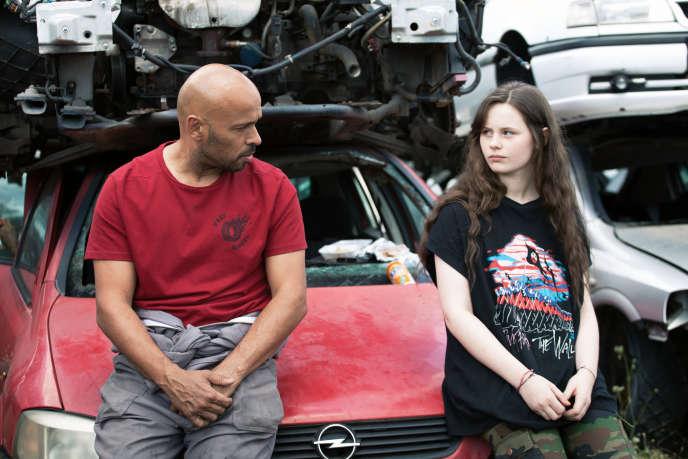 Eric Judor et Louise Labeque dans« Roulez jeunesse », deJulien Guetta.