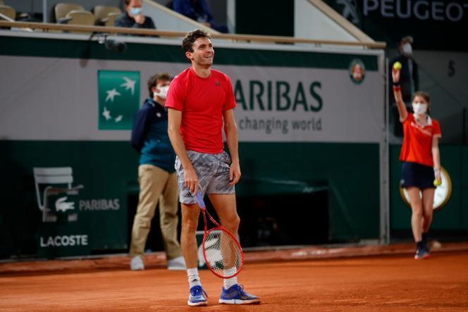 Gilles Simon impuissant contre la fougue du Canadien Denis Shapovalov au premier tour de Roland Garros, le 29 septembre.