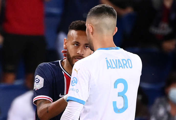 Neymar et Alvaro Gonzalez le 13 septembre lors du «clasico» de Ligue 1.