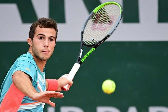 Le Français Hugo Gaston, qualifié pour le troisième tour à Roland-Garros, le 30 septembre.
