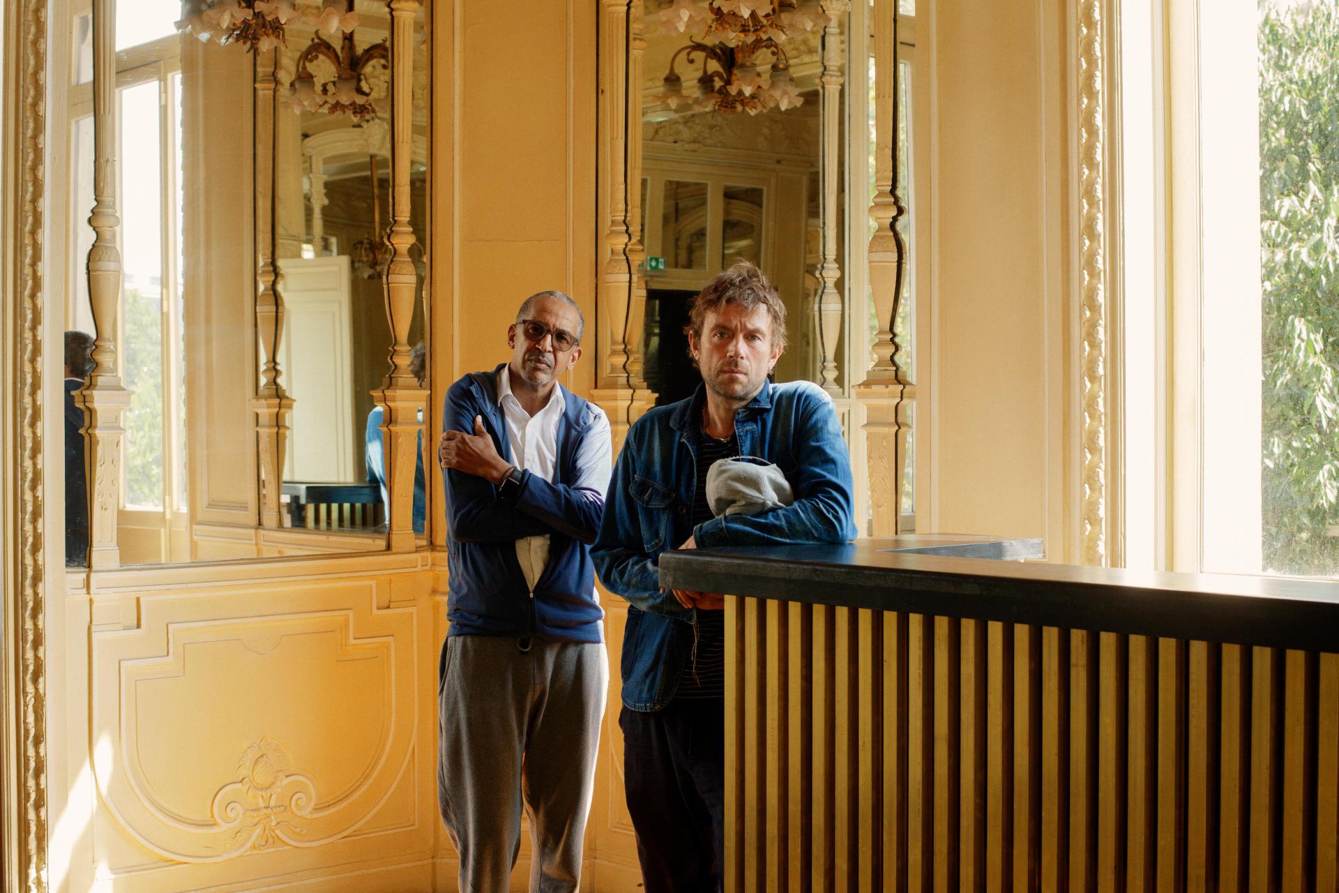 Abderrahmane Sissako et Damon Albarn au Théâtre du Châtelet à Paris, le 22 septembre.