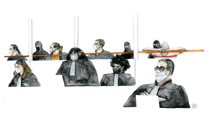 De gauche à droite : les accusés Mohamed Fares, Said Makhlouf, Amar Ramdani et Ali Riza Polat. Et les avocates de la défense, ainsi que l'huissier Alexis Diaz.