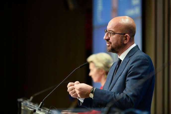 La présidente de la Commission européenne, Ursula von der Leyen, etle président du Conseil européen, Charles Michel, à Bruxelles, le 2octobre.
