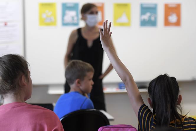L'enquête sur les performances des élèves de CM2 en arithmétique et en géométrie porte sur un échantillon représentatif de 200 écoles comprenant au total 6 000 jeunes.