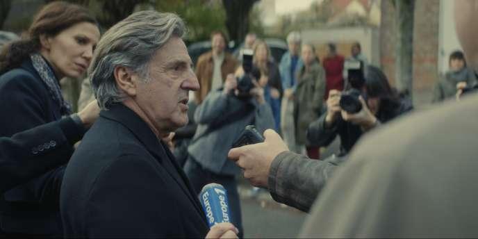 Daniel Auteuil dans la série« Le Mensonge».