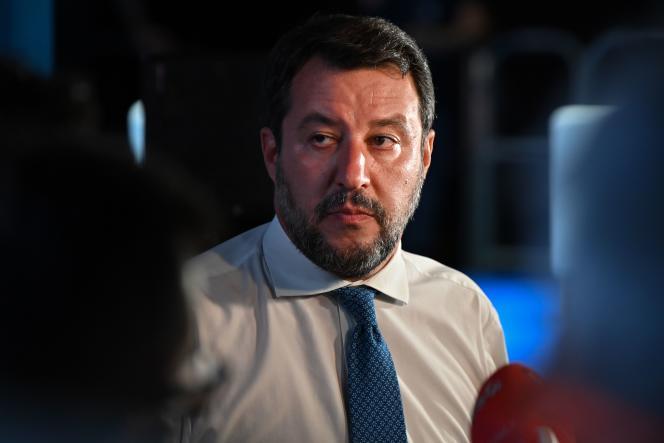 Matteo Salvini en conférence de presse, à Catane, vendredi 2 octobre.
