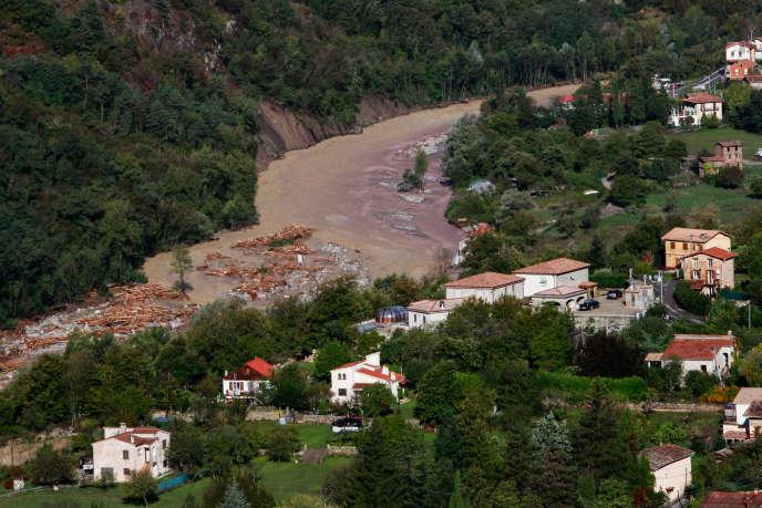 Vue de la crue de la Vésubie depuis le village de La Bollène, samedi 3 octobre.