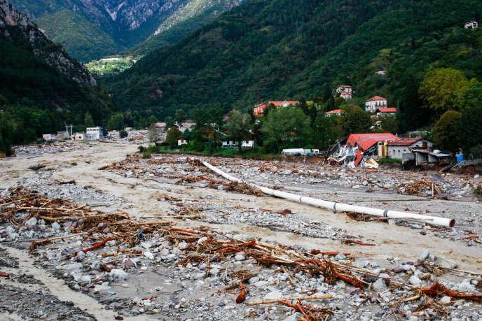 L'usine électrique EDF a été submergée par la crue, à Roquebillière, le 3 octobre.