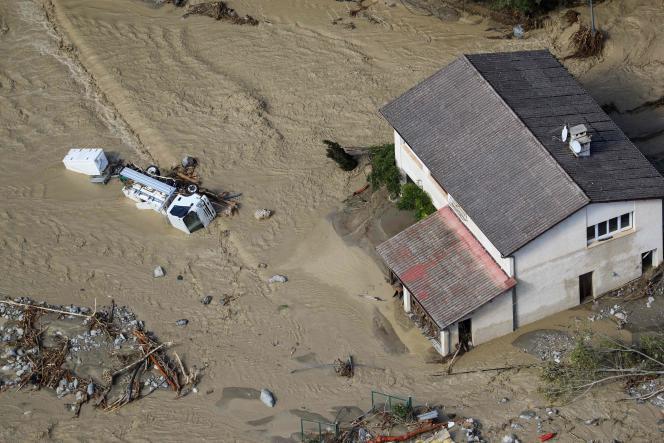 Vue aérienne de Saint-Martin-Vésubie, samedi3octobre, après le passage de la tempête Alex.