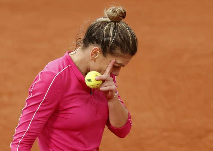 Simona Halep à Roland-Garros lors de son match contre Iga Swiatek le 4 octobre.