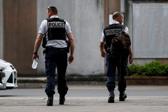Des policiers, à Rouen (Seine-Maritime), en 2017.
