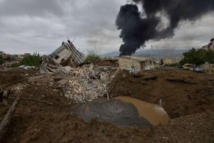 Une maison détruite lors d'un bombardement sur Stepanakert, dans le Haut-Karabakh, le 4octobre 2020.