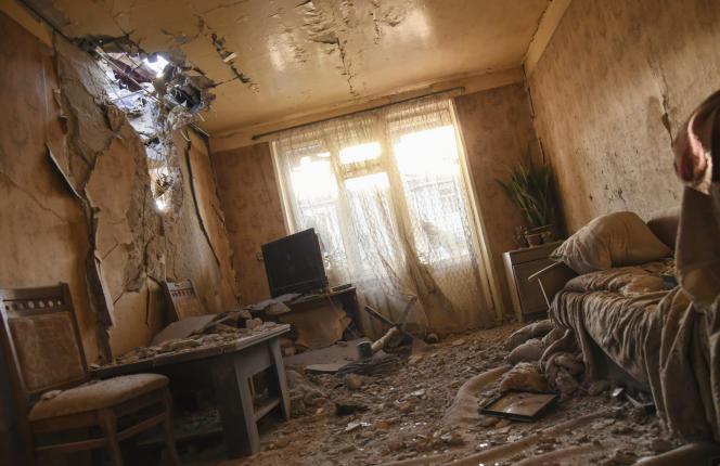 Un appartement de Stepanakert, principale ville du Haut-Karabakh, après un bombardement le samedi 3 octobre.
