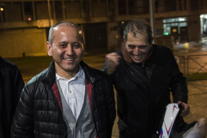 L'opposant kazakh Moukhtar Abliazov, le 9 décembre 2016, lors de sa sortie de la prison de Fleury-Mérogis (Essonne).