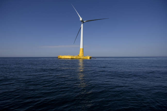 La première éolienne offshore flottante,au large de La Turballe (Loire-Atlantique), en septembre 2018.