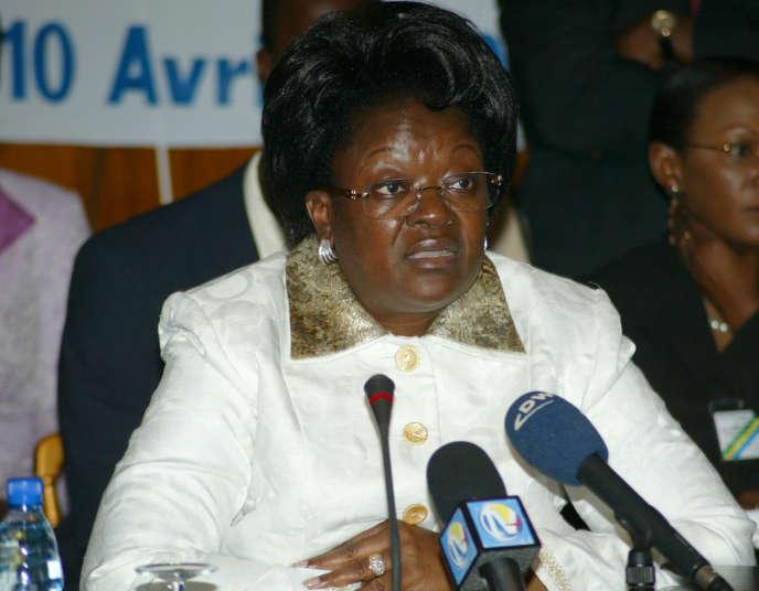 Laure Olga Gondjout, ancienne ministre gabonaise des affaires étrangères, à Libreville, en avril 2008.