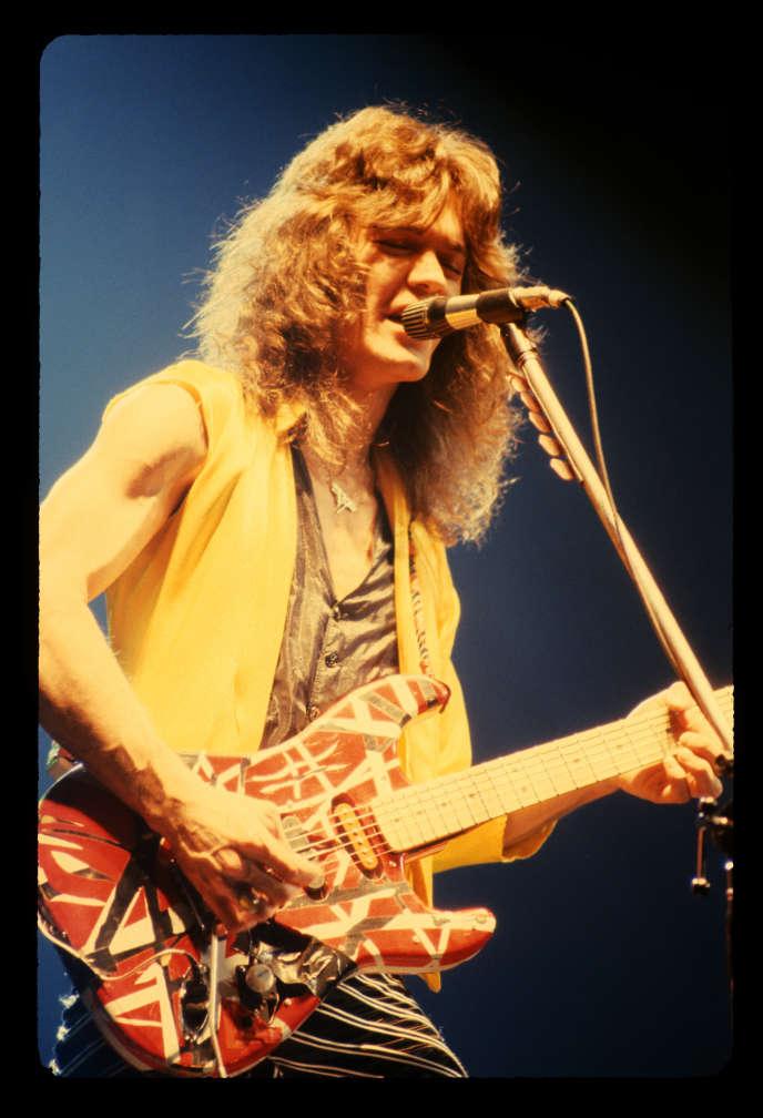 Eddie Van Halen en concert au Fabulous Forum de Los Angeles, Californie, le 7 octobre 1979.