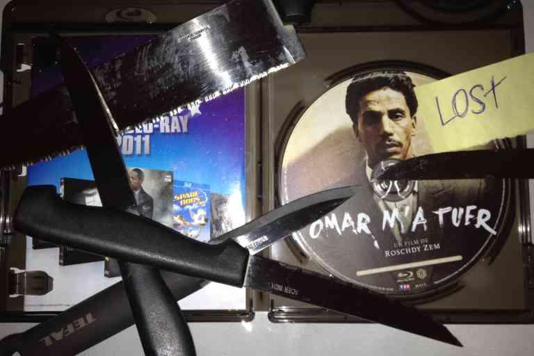 Pour prouver que le film mis en ligne provient bien du Blu-ray original et non d'un fichier récupéré sur la toile, les groupes de la Scene accompagnent leurs fichiers d'une preuve en image (« proof ») affichant leur signature