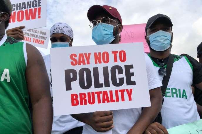 Manifestation contre les violences policières àLekki, à l'est deLagos, le 8 octobre 2020.