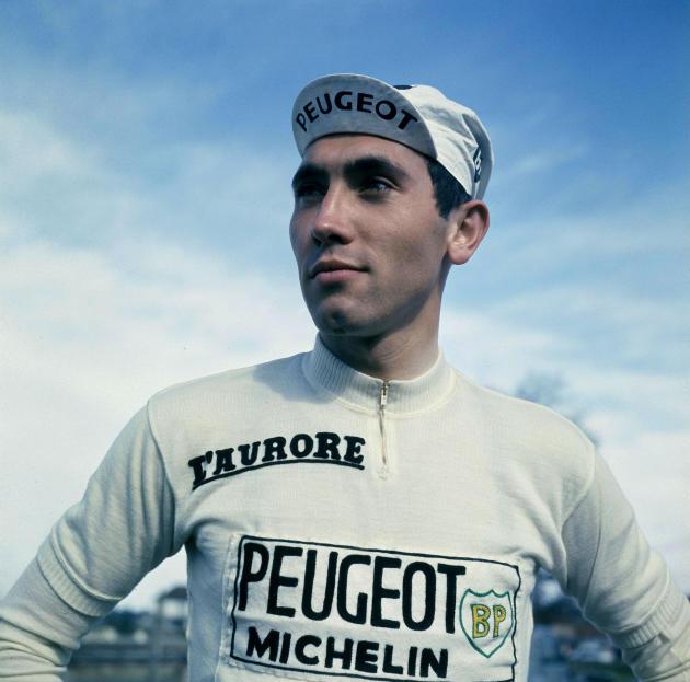La légende du cyclisme Eddy Merckx lors du Paris-Nice 1967.