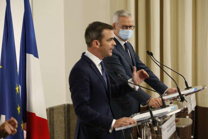 Conférence de presse d'Olivier Véran et Bruno Le Maire le 8 octobre à Paris.