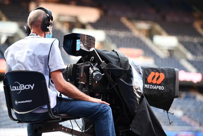 Mediapro produit et diffuse huit des dix matchs de Ligue 1 par journée, comme ici au Parc des Princes avant la rencontre PSG-Marseille, le 13 septembre 2020