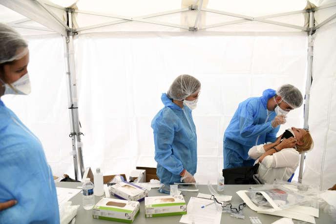 Des tests PCR menés à Montreuil, le 31 août 2020.