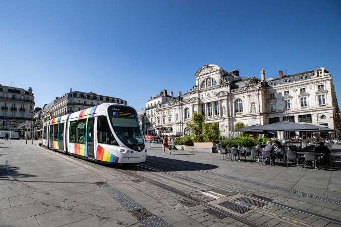 Angers, place du Ralliement, où la collectivité teste les différents services et usages qui vont être développés sur toute l'aggomération pour en faire un territoire «intelligent».