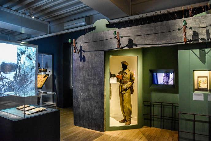 Vue de l'exposition« Comme en 40…» au Musée de l'armée à Paris, jusqu'au 10 janvier 2021.