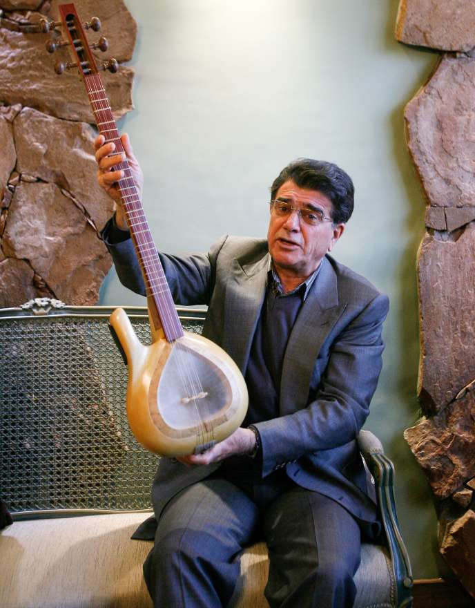Le chanteur et compositeur iranien Mohammad Reza Shajarian, en avril 2009, à Téhéran.