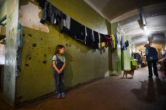 Dans le couloir d'un foyer de Tver, au nord-ouest de Moscou, le 8 août 2020.