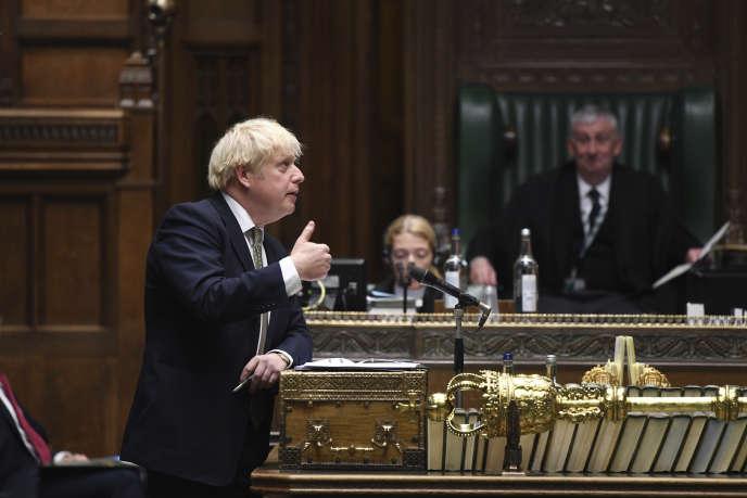 Le Premier ministre britannique a annoncé un nouveau système d'alarme à trois niveaux devant les députés puis la nation le lundi 12 octobre.