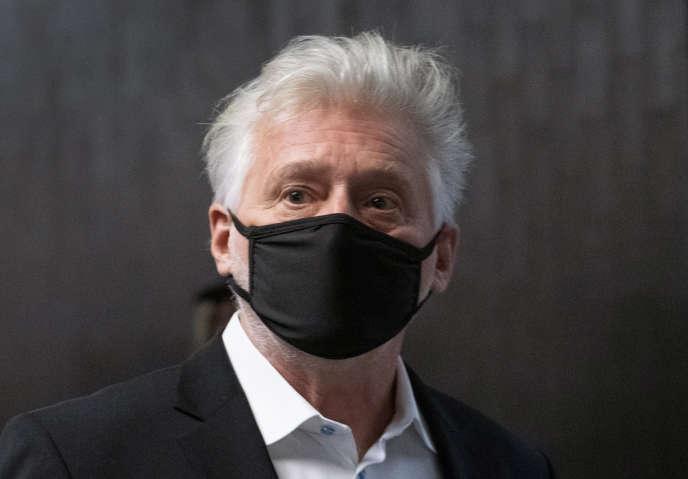 Gilbert Rozon à l'arrivée de son procès, à Montréal, mardi 13octobre.
