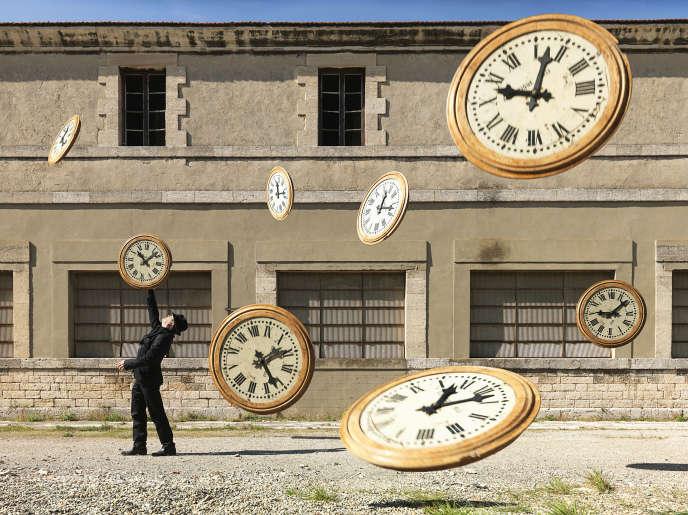 Issue de la série «D'après moi, le déluge». «Les horloges». 2012.