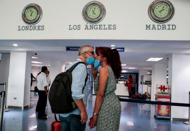 Du fait de la pandémie de Covid-19, environ 2 000 couples binationaux se sont retrouvés séparés.