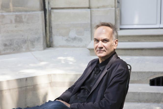 L'écrivain Hervé Le Tellier, à Paris, en mai 2020.