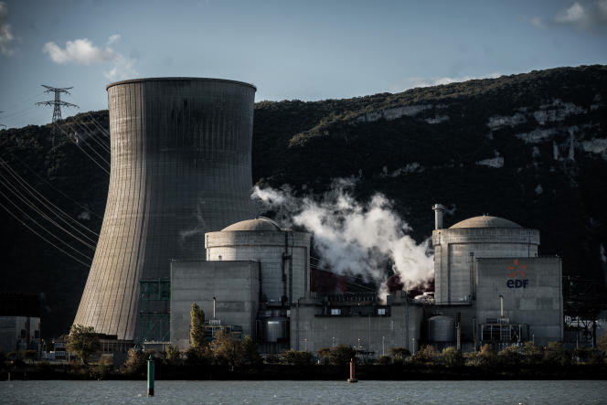 La centrale nucléaire de Cruas (Ardèche), en novembre 2019. Jusqu'à 2013, EDF a réutilisé des stocks d'uranium pour l'alimenter en combustible.