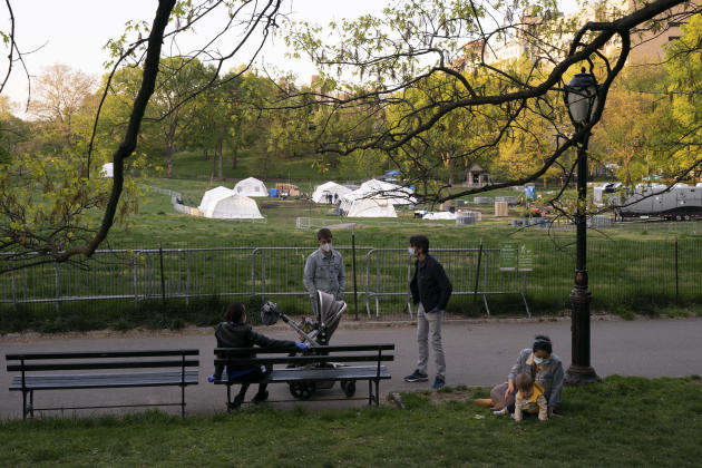 Un hôpital de campagne pour les victimes du Covid-19 installé dans Central Park, à New York, le 10 mai.