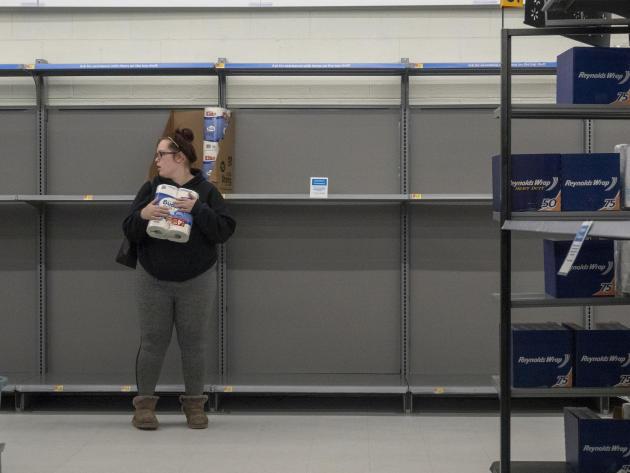 Rayons vides dans un magasin d'Easton (Maryland), le 28 avril.