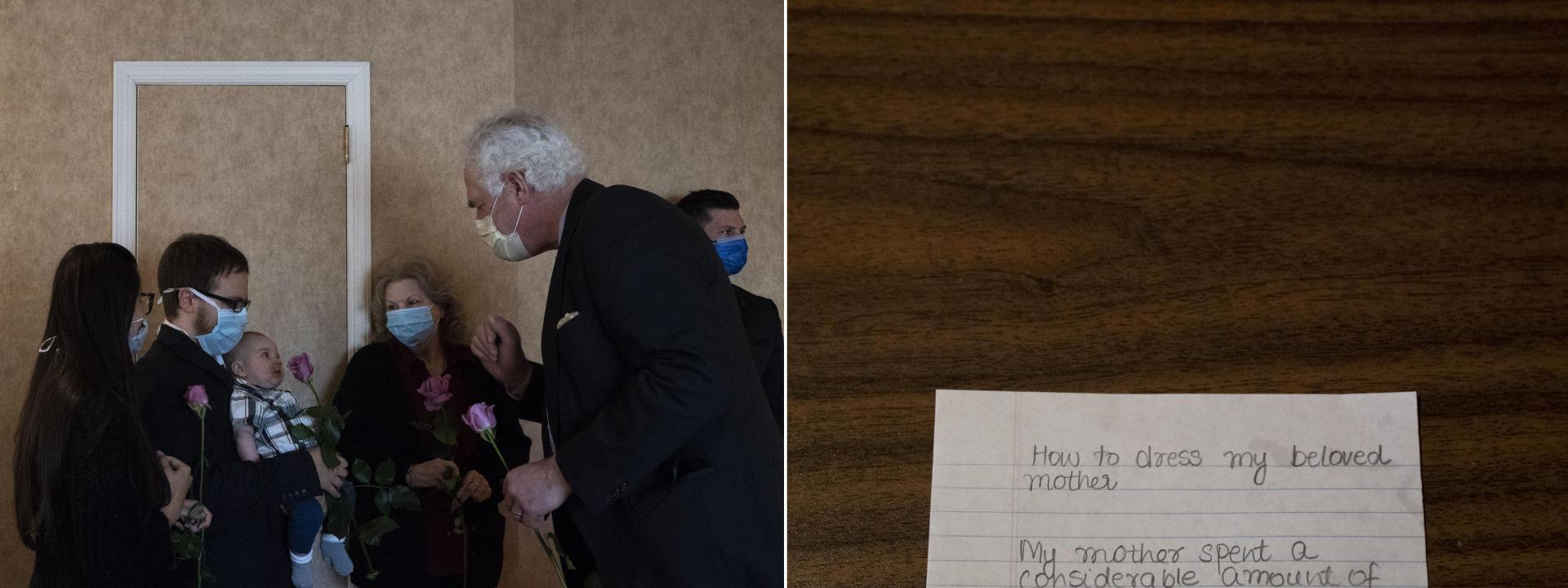 Une famille se rend à la maison funéraire Leo Kearns après avoir transmis les recommandations pour la cérémonie, le 7 mai dans le Queens, à New York.