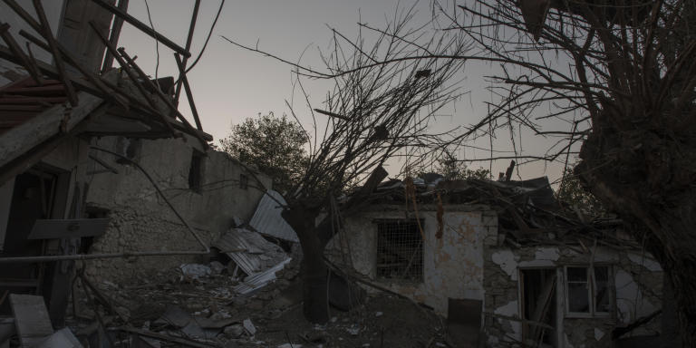 Stepanakert, Haut-Karabakh, le 14 octobre 2020  Une maison détruite par les bombardements des forces  azéries.  Photo Laurent Van der Stockt pour Le Monde