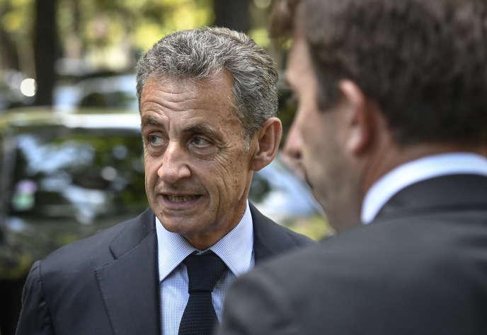 Nicolas Sarkozy lors des funérailles de l'ancien ministre de la justice, Pascal Clément, à Neuilly-sur-Seine (Hauts-de-Seine), le 25 juin.