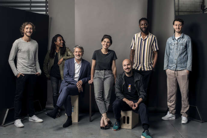 Baptiste Lecaplain, Shirley Souagnon, Antoine de Caunes, Marina Rollman, Kyan Khojandi, Thomas Ngijol, Roman Frayssinet, dans« Profession: stand-uppeur.euse », sur Canal+.