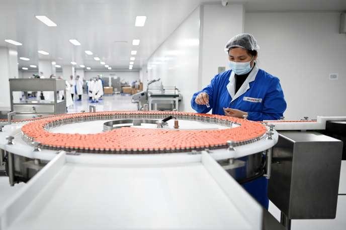 Dans un laboratoire de Sinovac consacré à l'élaboration d'un vaccin contre le Covid-19, à Pékin, le 24 septembre.