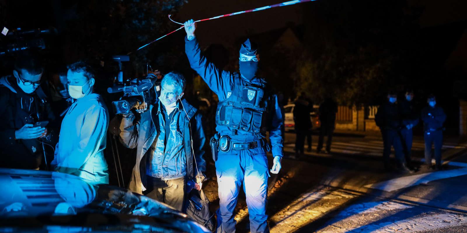 A Conflans-Sainte-Honorine, vendredi 16 octobre, après le meurtre d'un enseignant.
