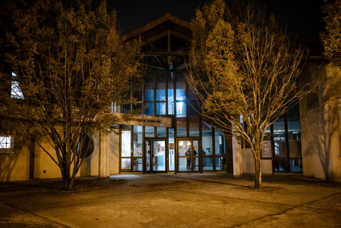 Le collège du Bois-d'Aulne, où enseignait le professeur d'histoire-géographie assassiné à Conflans-Sainte-Honorine (Yvelines), le 16 octobre.